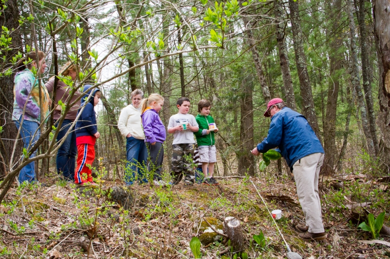 Nature_scavenger_hikeEarth_Day_2014