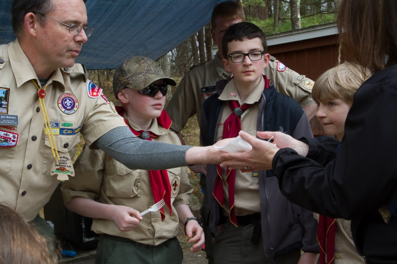 scouts_handing_out_food_cooked_over_fireEarth_Day_2014