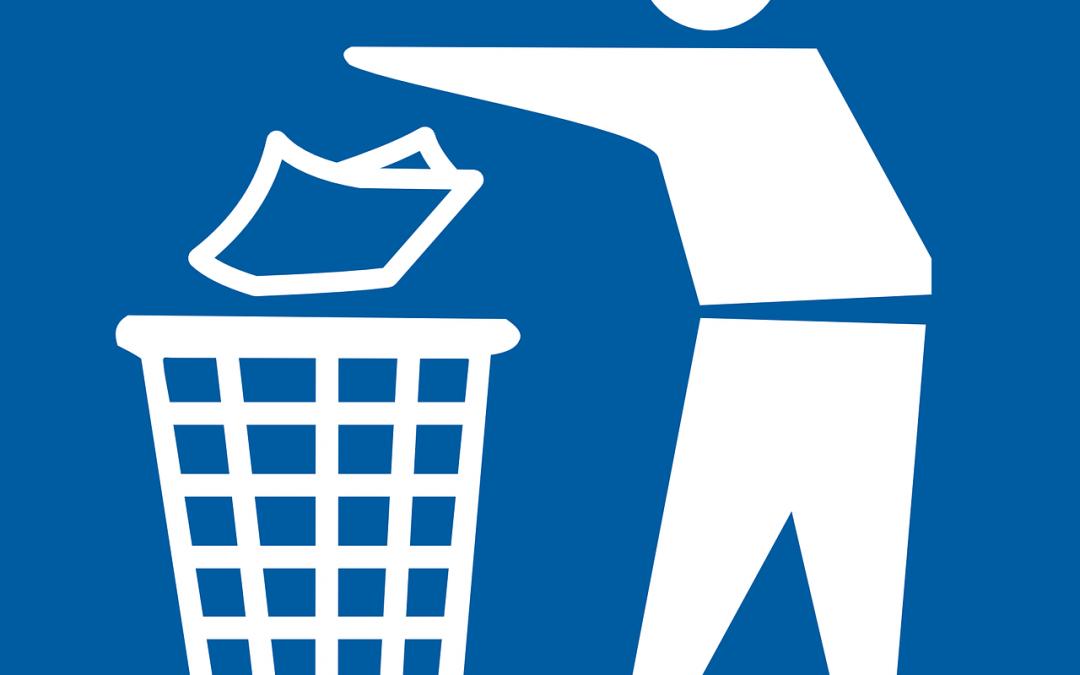 'Please Do Not Litter' signs